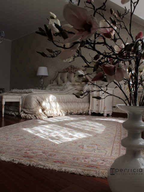 Исфахан. Персидский элитный ковер в спальню