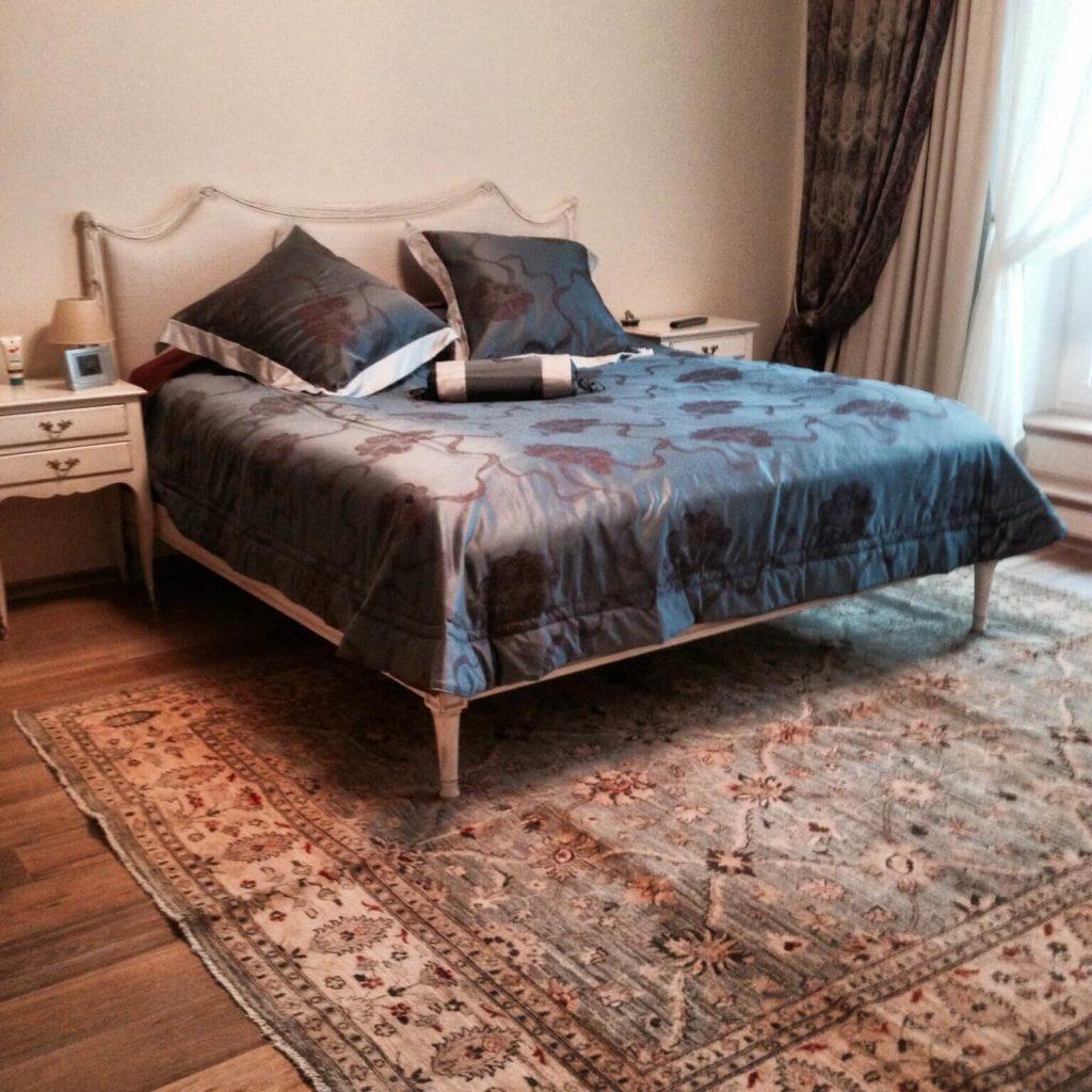 Афганский ковер Персиция в спальне