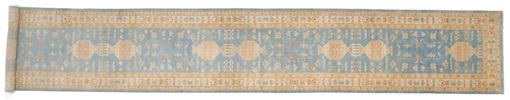 Очень длинная ковровая дорожка Персиция