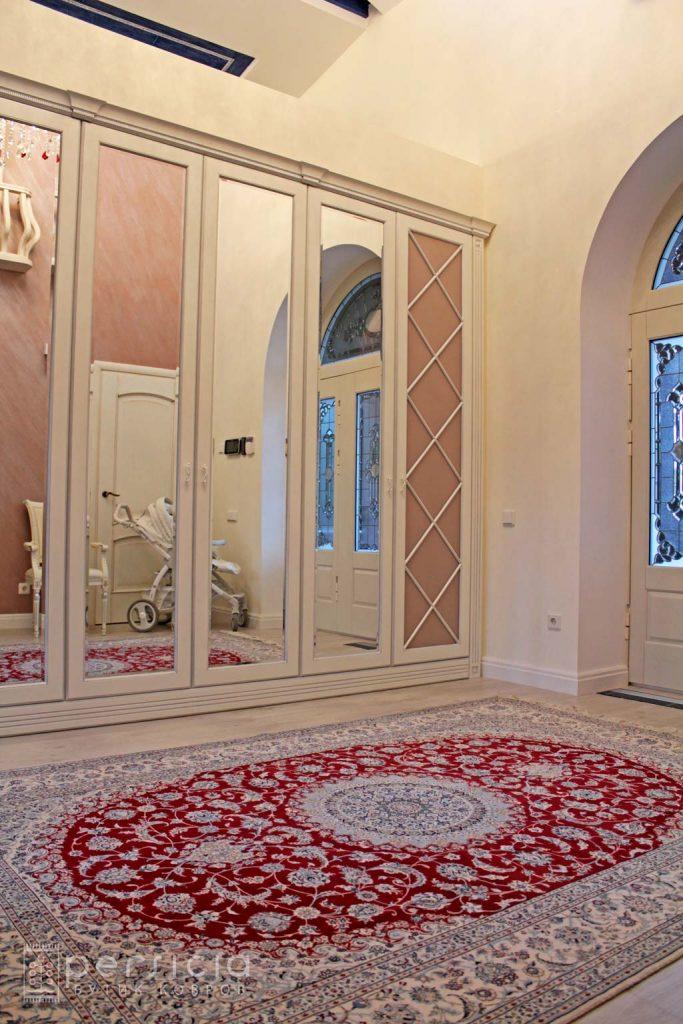Элитный персидский ковер Наин в интерьере заказчика в Подмосковье
